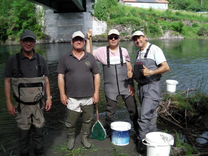 Les bénévoles de l'AAPPMA de Marignac